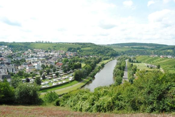 Camping Schützwiese Wasserbillig Luxembourg upon the Luxembourg Moselle with its excellent vineyards