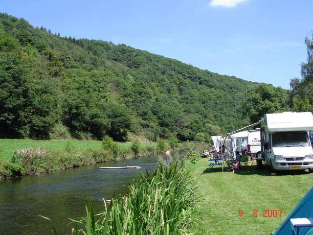 camping next to the river at Camping Bissen Heiderscheidergrund Luxemburg