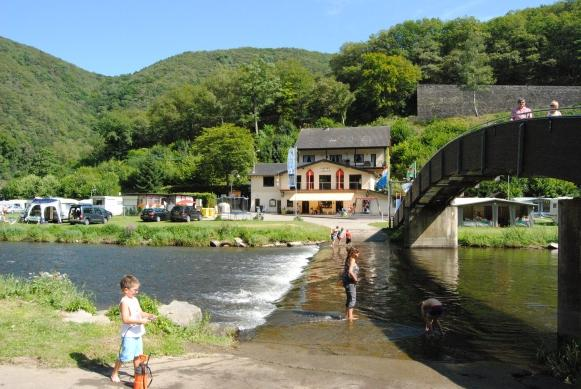 campen am Fluss bei Camping du Moulin Bourscheid-Moulin Luxemburg
