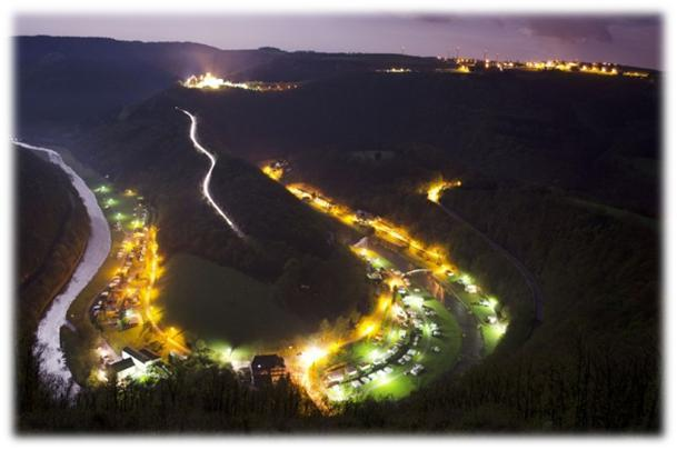 Camping Um Gritt Bourscheid Moulin Luxemburg by night